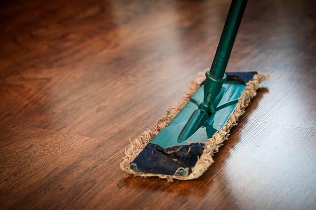 איך בוחרים מגבים לשטיפת רצפה?